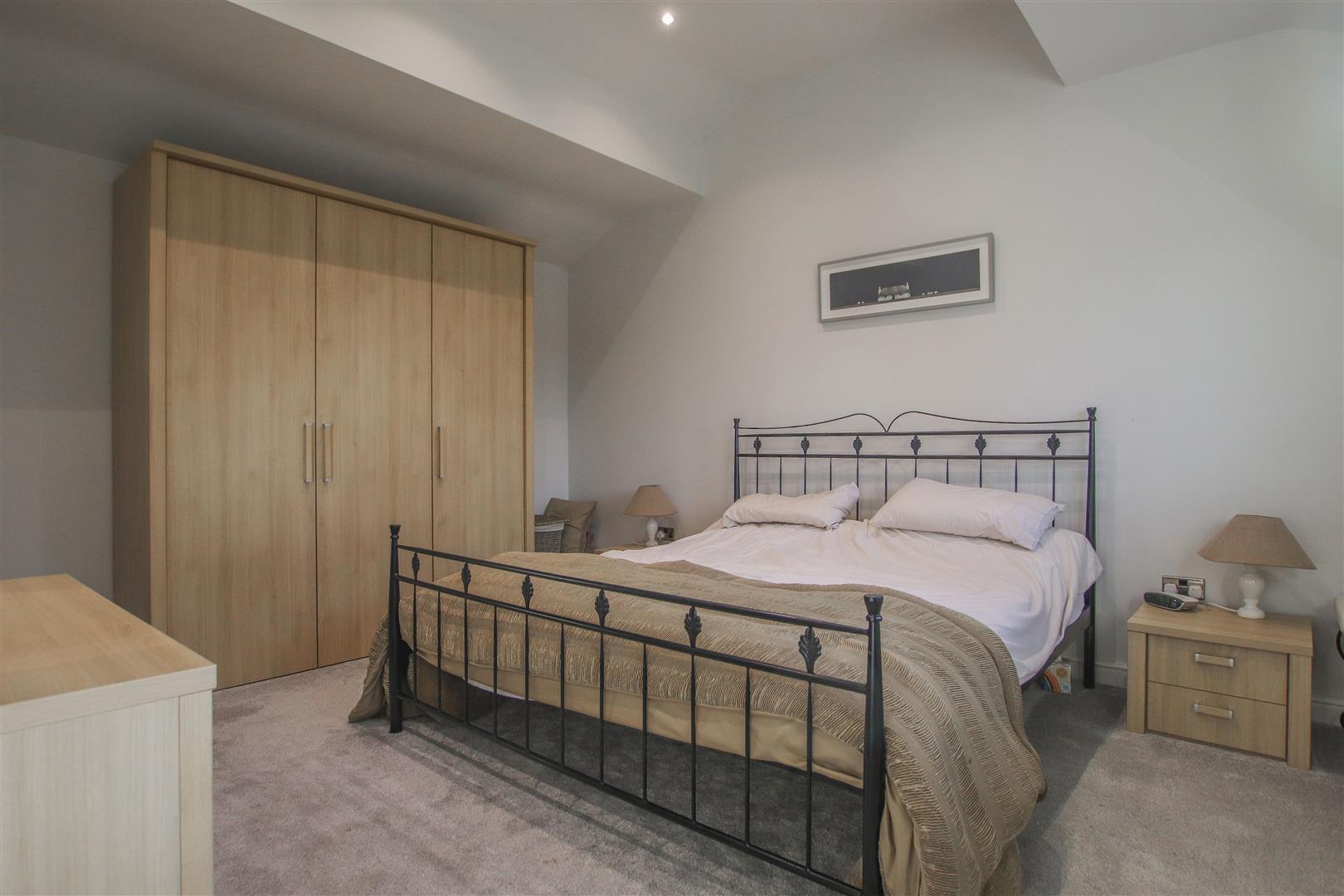 6 Bedroom Barn Conversion For Sale - 25.JPG